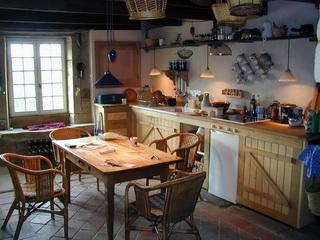 toute r novations de votre b timent ou maison plomberie l ctricit boiserie cuisine salles. Black Bedroom Furniture Sets. Home Design Ideas